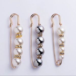 Set of Pin Brooches Faux Pearl